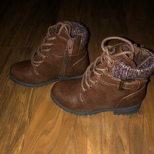 Toddler boots size 8